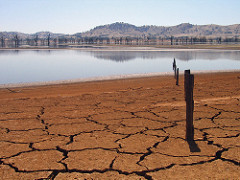 Lake Hume in 2007 at 4%